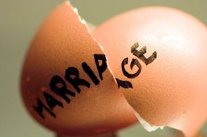 facts-about-divorce-1026181155-jul-24-2012-600x398