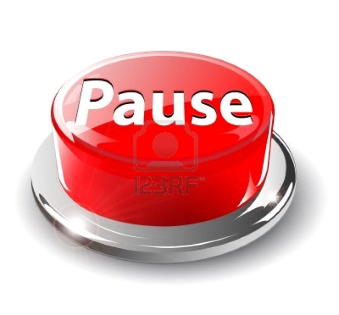 6596966-pause-button-3d-red-glossy-metallic